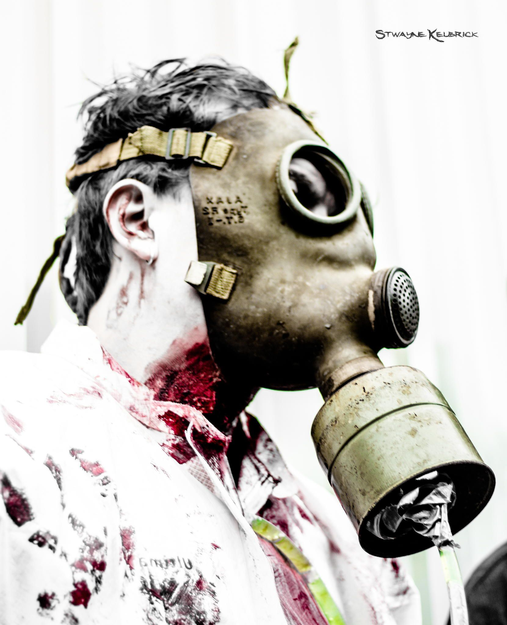 Fearless of a gas mask guy by Stwayne Keubrick on 500px