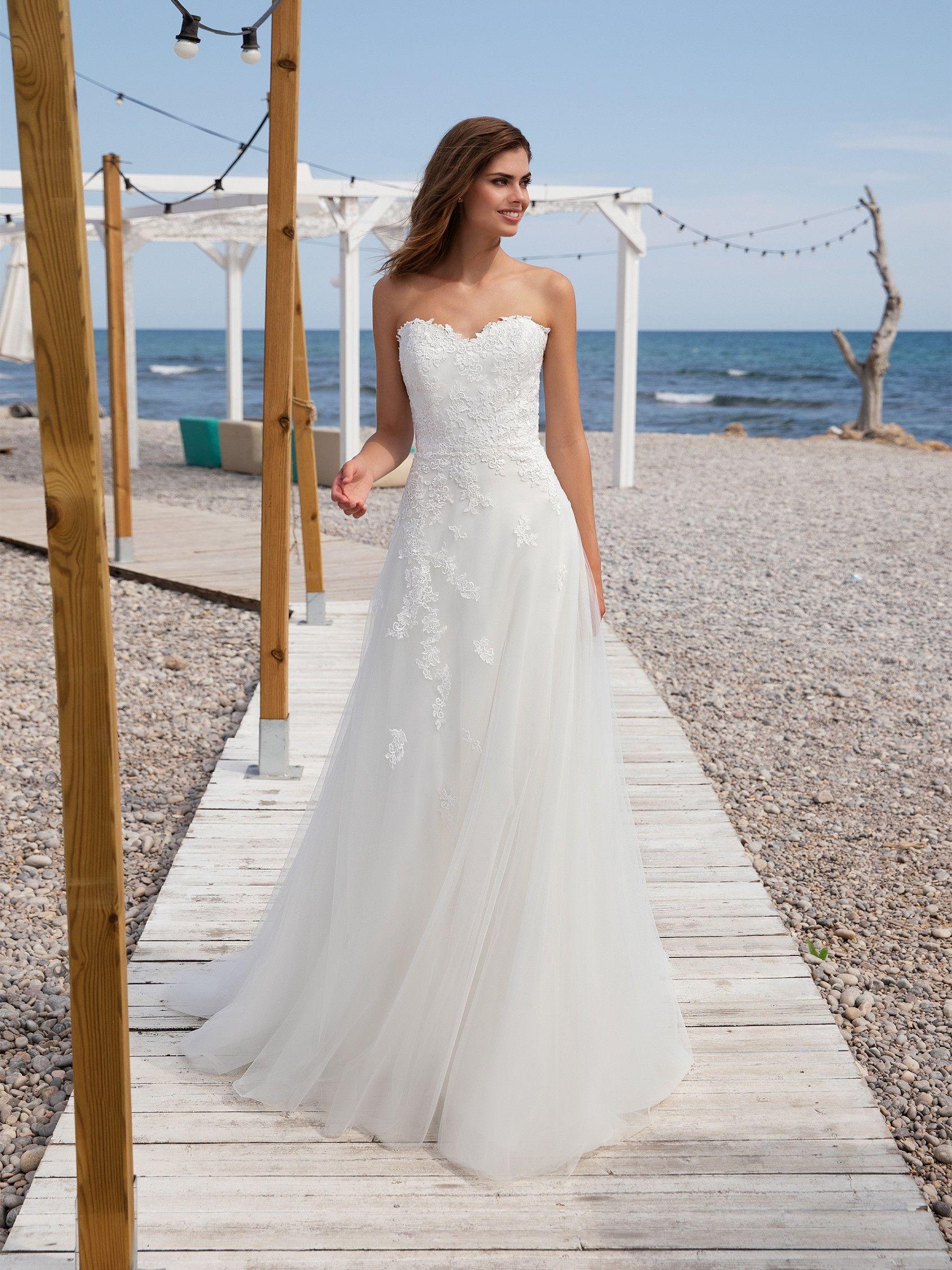Chilly Fall Kelowna Elopement Chiffon Wedding Gowns Long Beach Wedding Dresses Long Bridal Gown