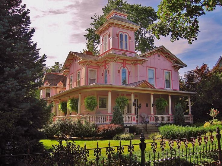 Wooster Ohio Victorian Homes Victorian Style Homes Pink Houses