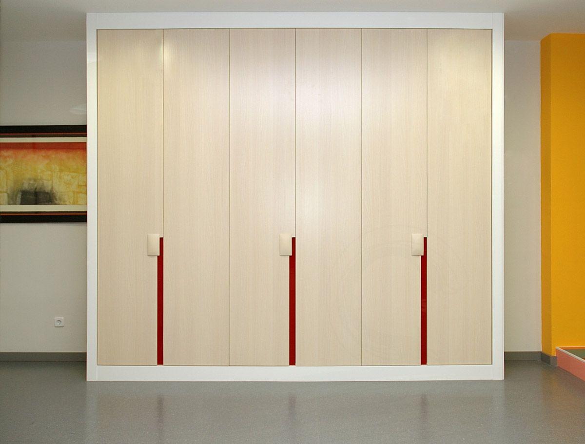 Puertas de armarios empotrados abatibles buscar con for Puertas correderas sodimac