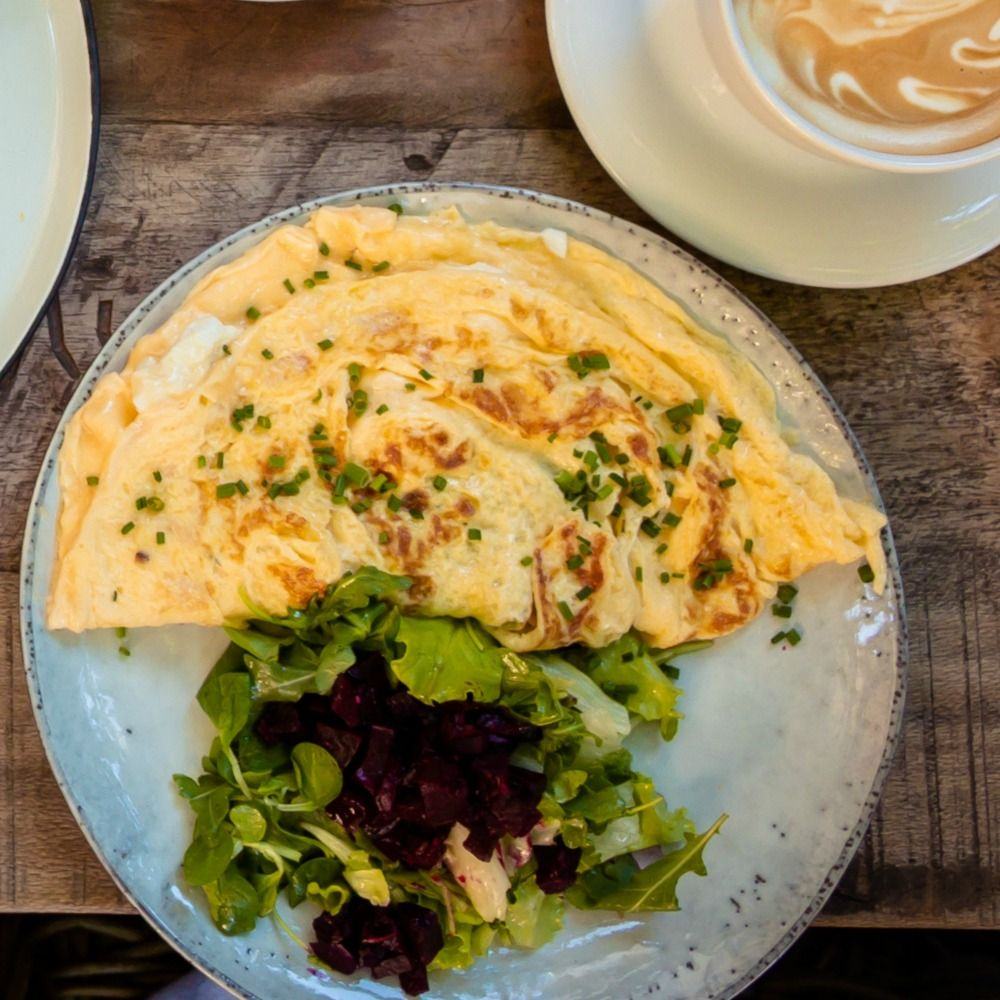 How to make a basic egg and cheese omelette plus my