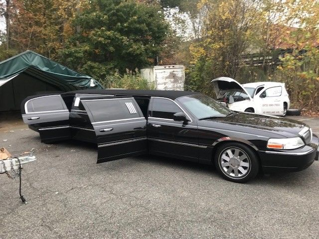 Serviced 2003 Lincoln Town Car Stretch Limousine Limousines For