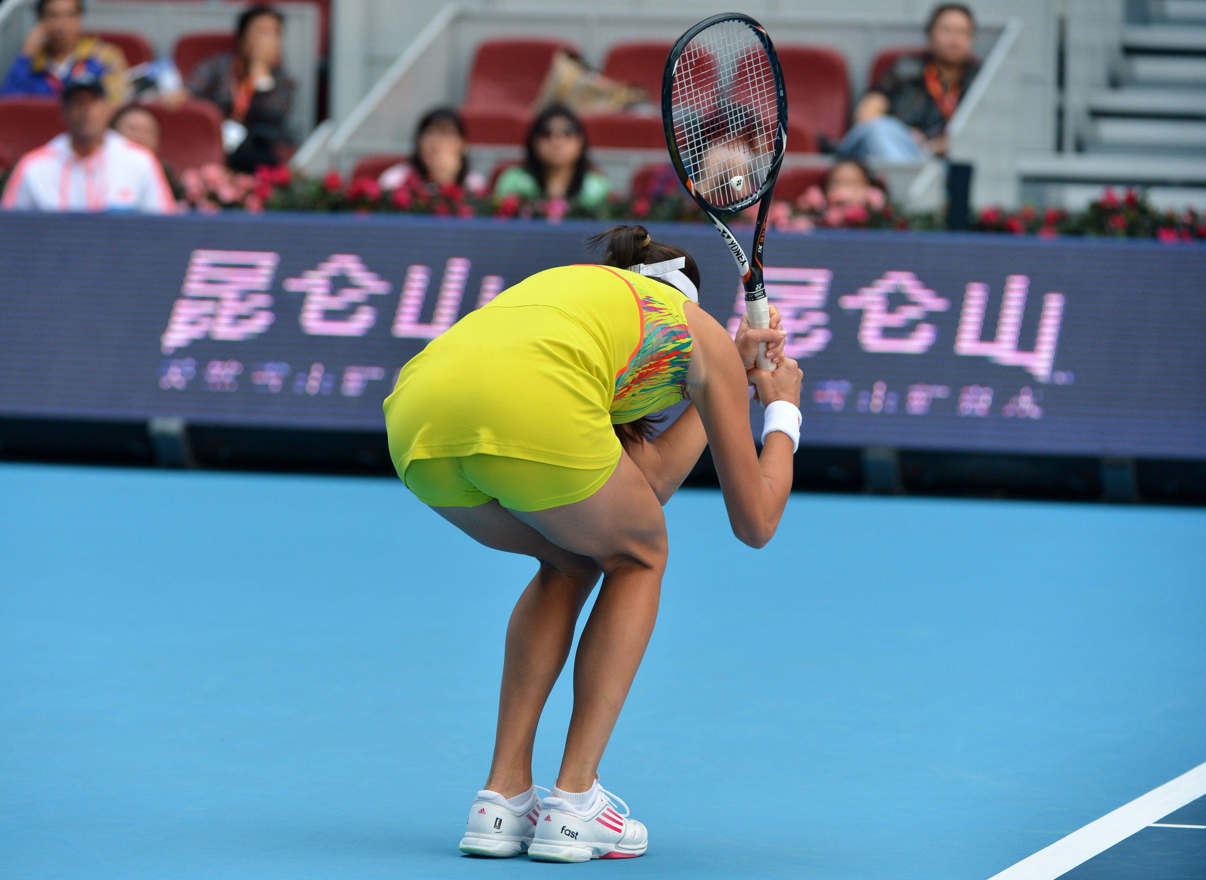 anna-tennis-upskirt
