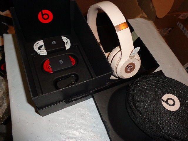 Beats by Dr. Dre - Beats Solo3 Wireless Headphones - Matte Gold ... 7e9b63d173