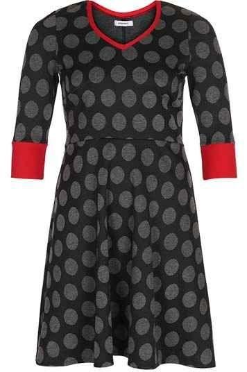 085a8392 Jerseykjole med v-udskæring og store prikker i sort | Plus size ...