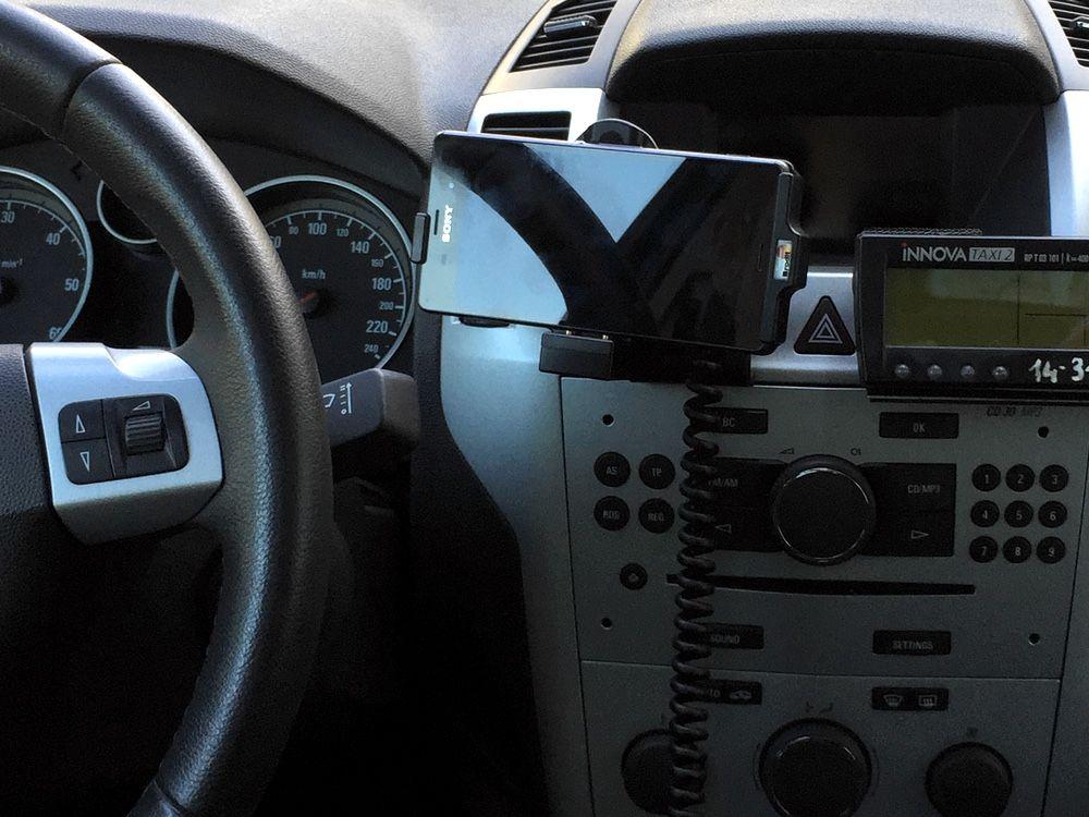 Uzywasz Xperiaz3 I Duzo Czasu Spedzasz W Aucie Jest Tez Dla Ciebie Dedykowany Uchwyt Samochodowy Brodit Chcesz Miec Taki 48 22 290 Gear Stick Polska