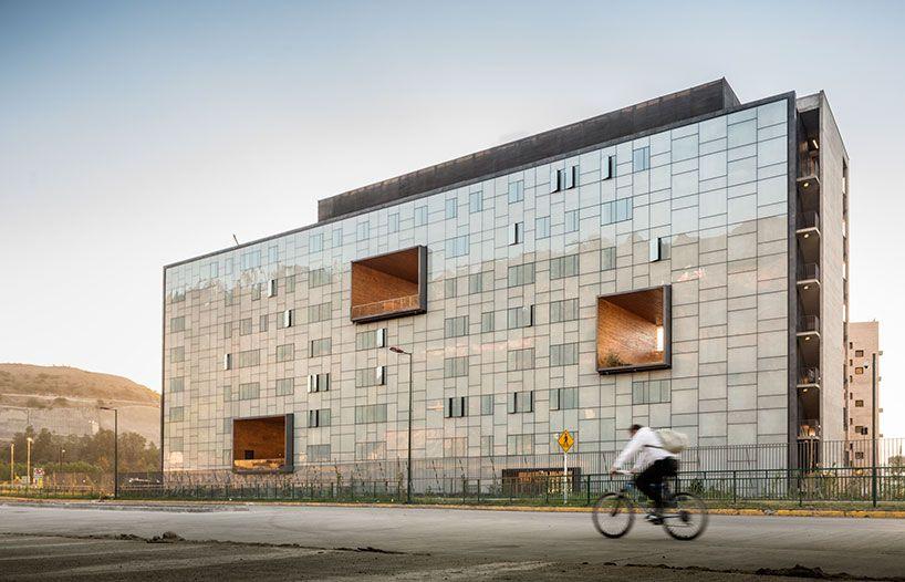 duque motta designs a masterplan for the school of economics at UDP