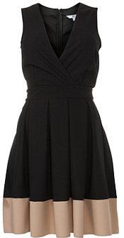 #newlook.com              #Skirt                    #Black #Wrap #Front #Colour #Block #Skater #Skirt   Black Wrap Front Colour Block Skater Skirt                                    http://www.seapai.com/product.aspx?PID=1863202