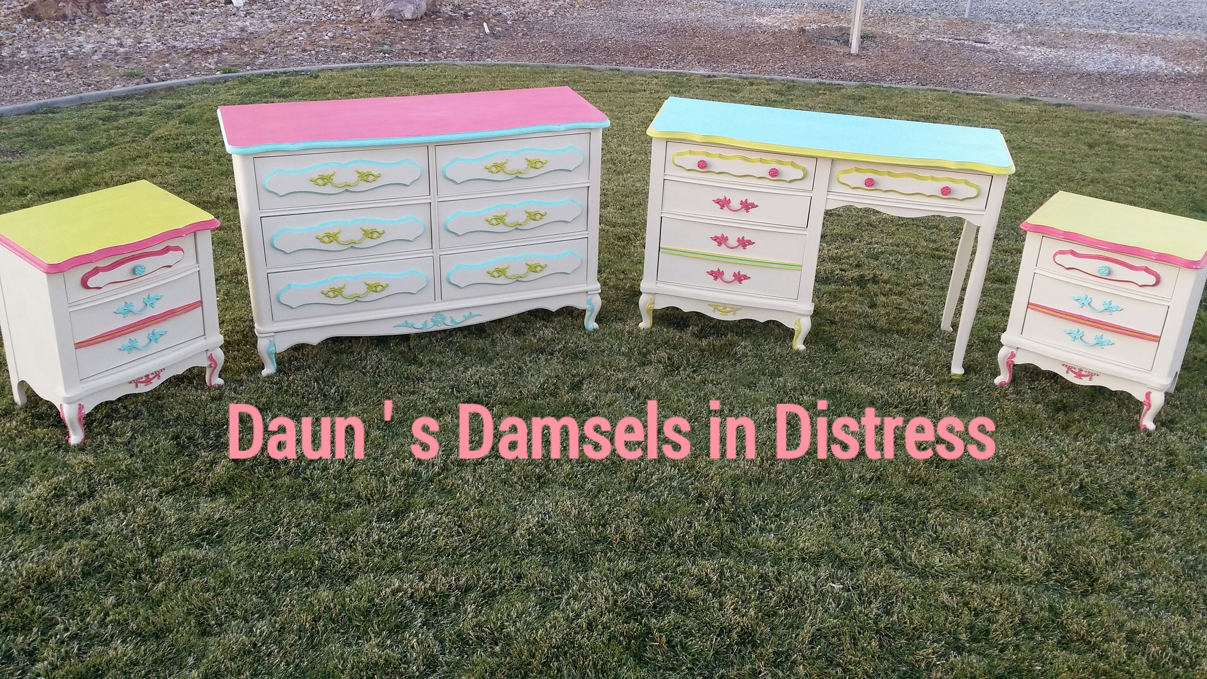 The 1970\'s upcycled girls bedroom set.This vintage bedroom ...
