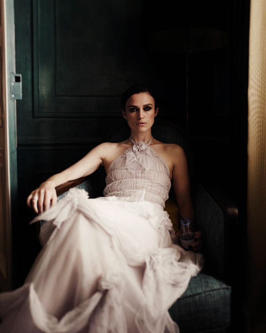 keira knightley photographed by director johan renck on the set of the new chanel coco. Black Bedroom Furniture Sets. Home Design Ideas