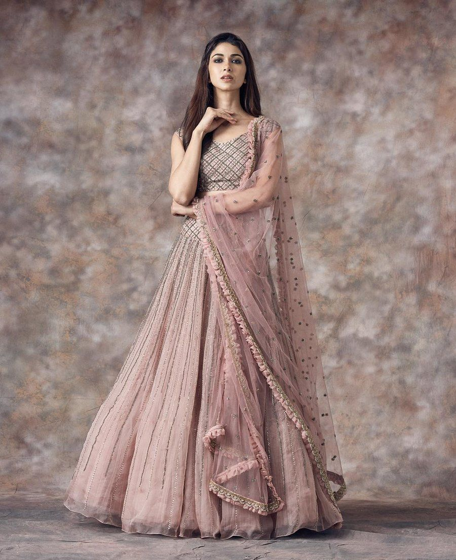 Bridesmaids Outfit Ideas Indian Fashion Dresses Indian Outfits Lehenga Indian Gowns Dresses [ 1106 x 900 Pixel ]