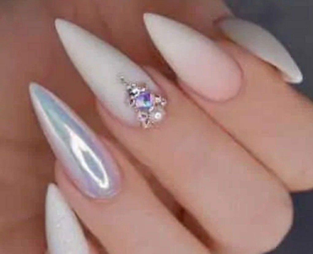 Modele De Unghii Cu Gel 2020 Manichiură La Nivel De Artă Alizera Swag Nails Nails Design With Rhinestones White Stiletto Nails