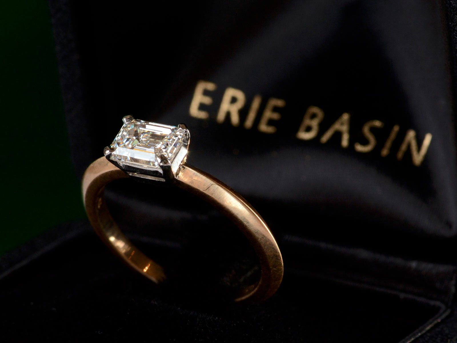 a emerald flawless d engagement stones diamond ring high baguette with white cut collections shoulder graff jewellery