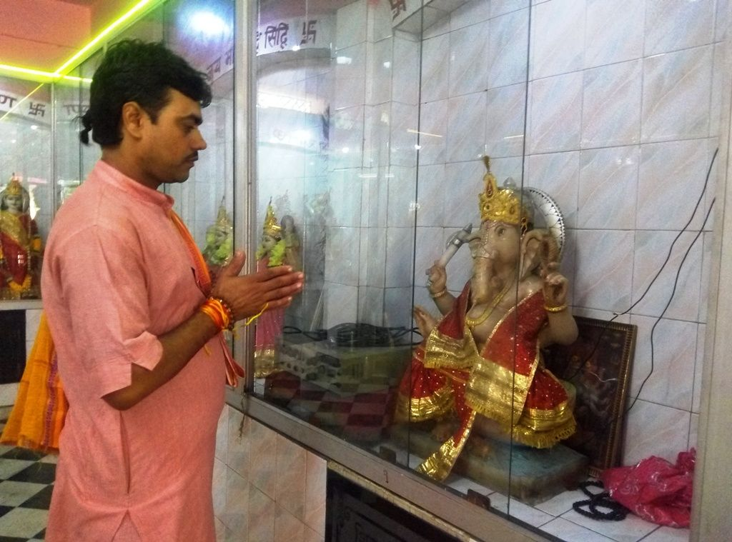 Onlinepuja purohit doing prayer for all (With images