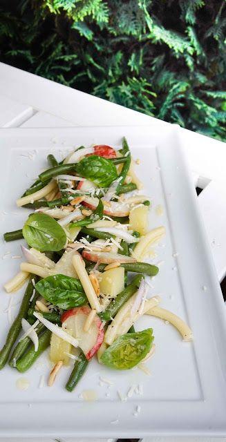 Grüne-Bohnen-Pfirsich-Salat mit Kartoffeln und Nudeln