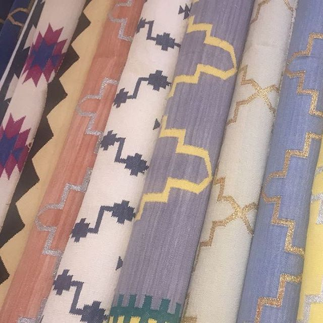 Our Dhurrie Rugs Are Now Available All 100 Cotton And Hand Loom Production By Artisians In Incredible India We Ship Worldwide Dubai Uae London Hongkong