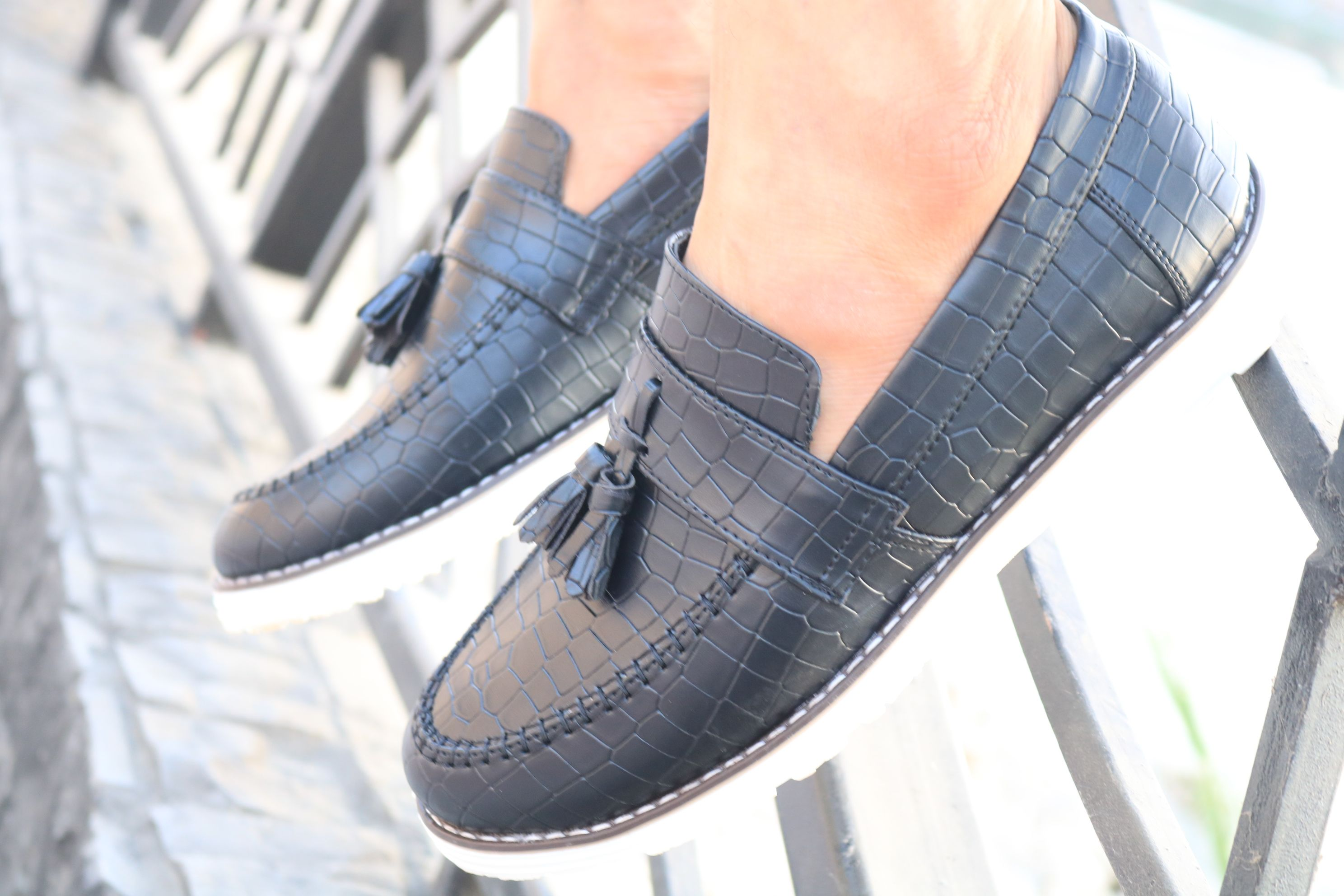 جزمة رزار بالابل علي الموضة ب 180ج Dress Shoes Men Loafers Men Oxford Shoes