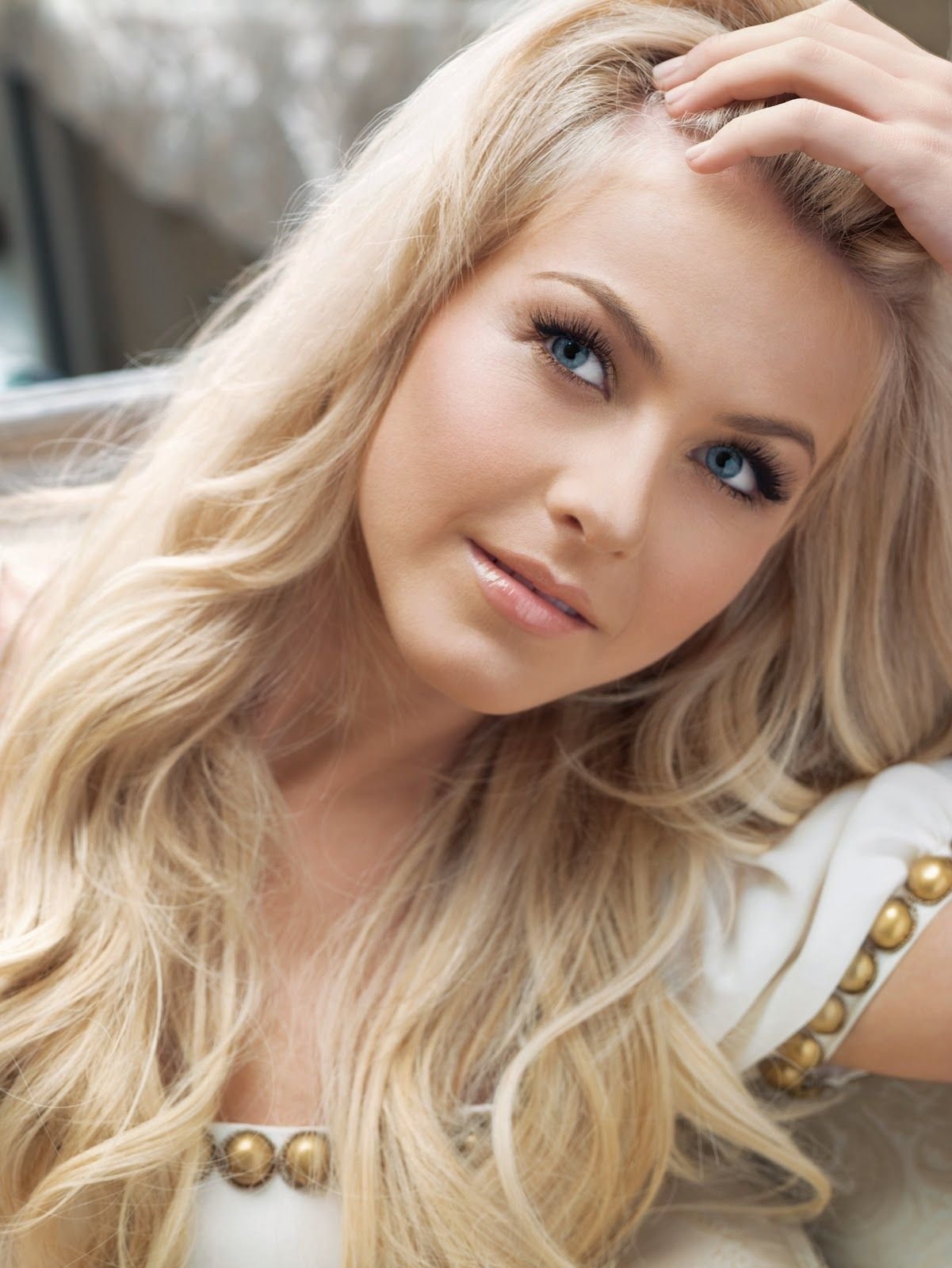 Brown to blonde hair colors for cool skin tones hair coloring