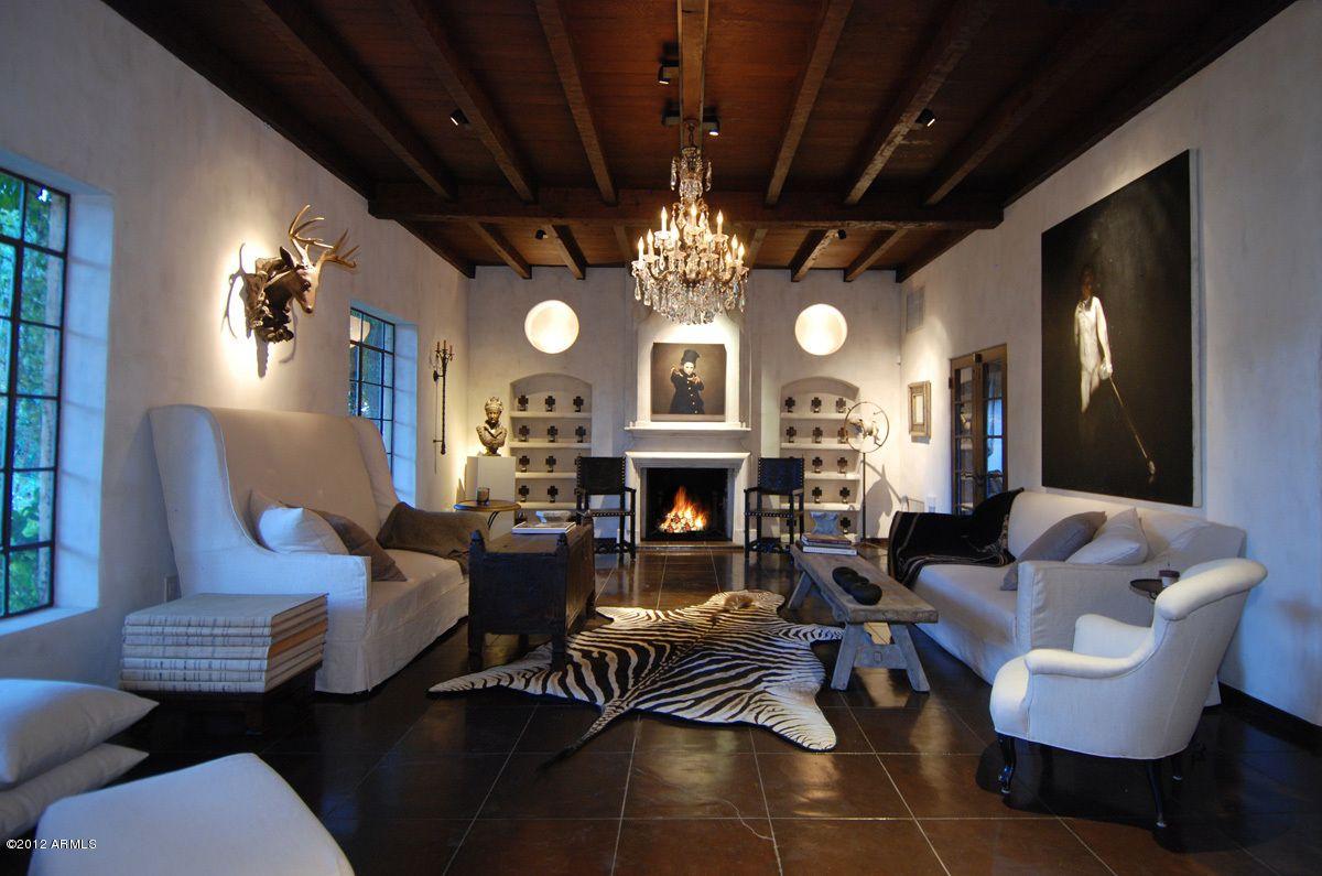 For Some Reason I Am Loving This Creepy Living Room Same House As Previous Post Central Phoenix Arizona Dwellarizona Idx Mls 4725209