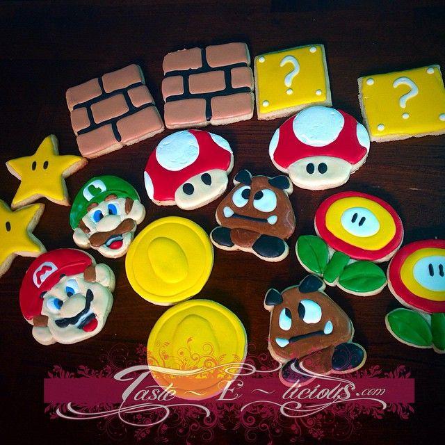 Super Mario Cookies #cakesofinstagram #houstoncakes #tasteelicious #supermario #itsmemario #mariobros #kidcakes #mariobrothers #kidsparties #luigi #cookies