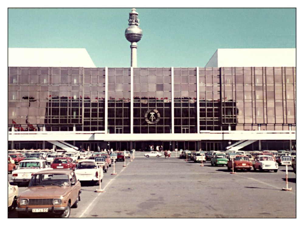 Pin Auf Ddr In Color