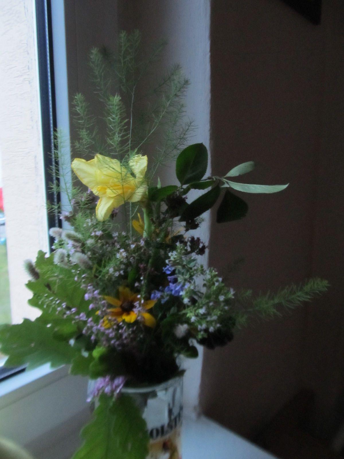 Bukiet Z Kwiatow Z Dzialki Na Swieto 15 Sierpnia Plants