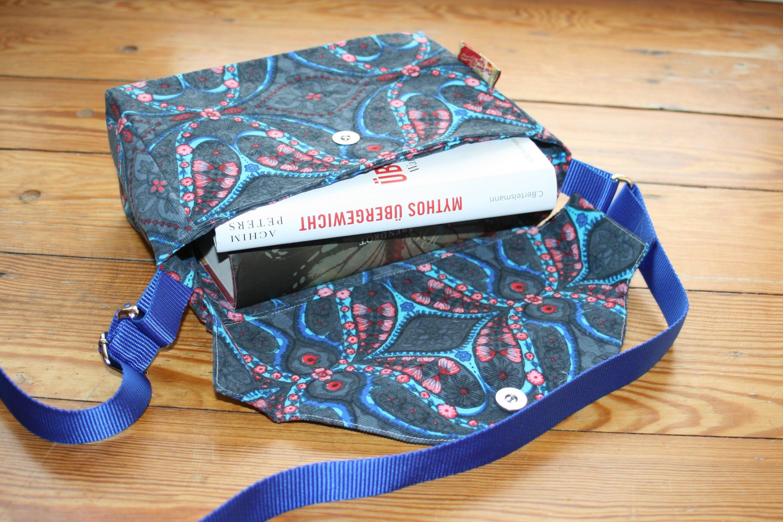 Eine Büchertasche nähen   2 Tasche blau   Pinterest   Büchertasche ...