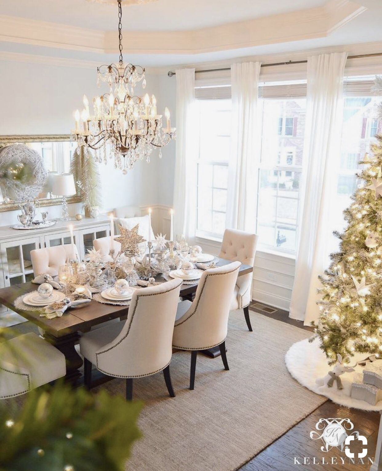 Kelley nan Christmas dining room decor images