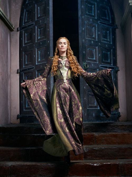Cersei Lannister knows how to make an entrance.