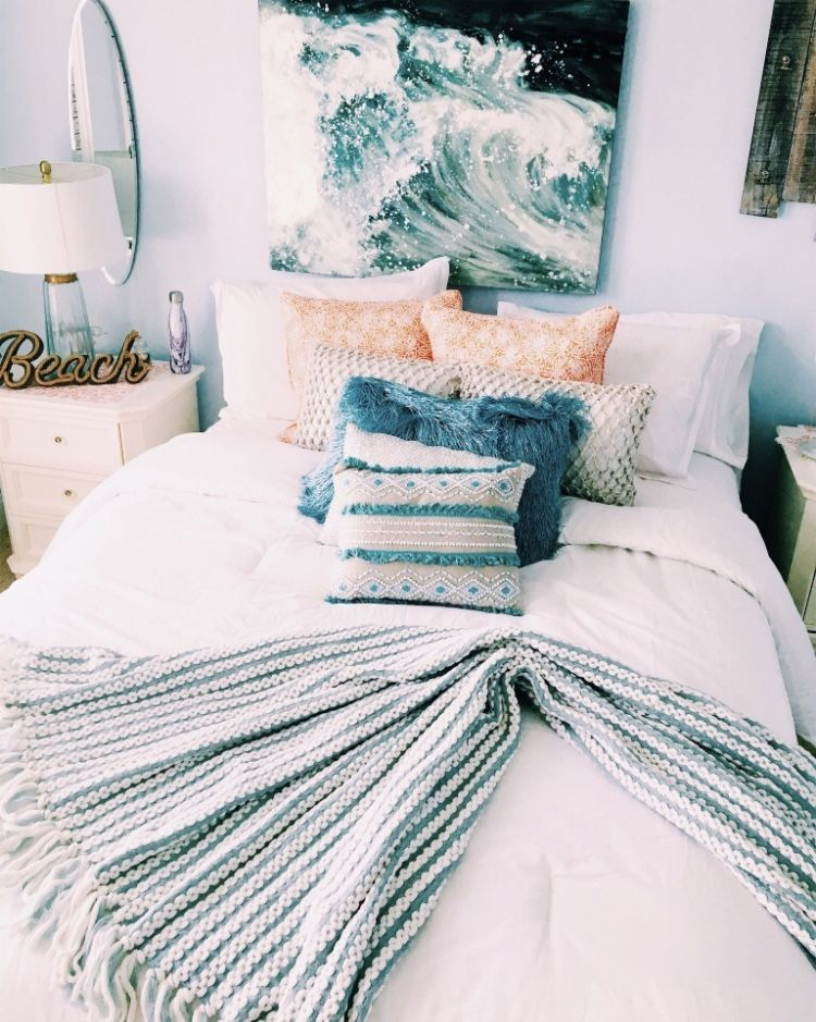 Pin By A L I On Casa Home Bedroom Dorm Room Decor Beach Style