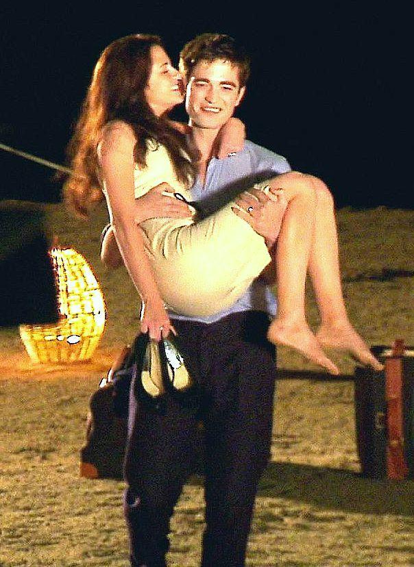 Honeymoon Lift | Twilight saga series, Twilight saga ...
