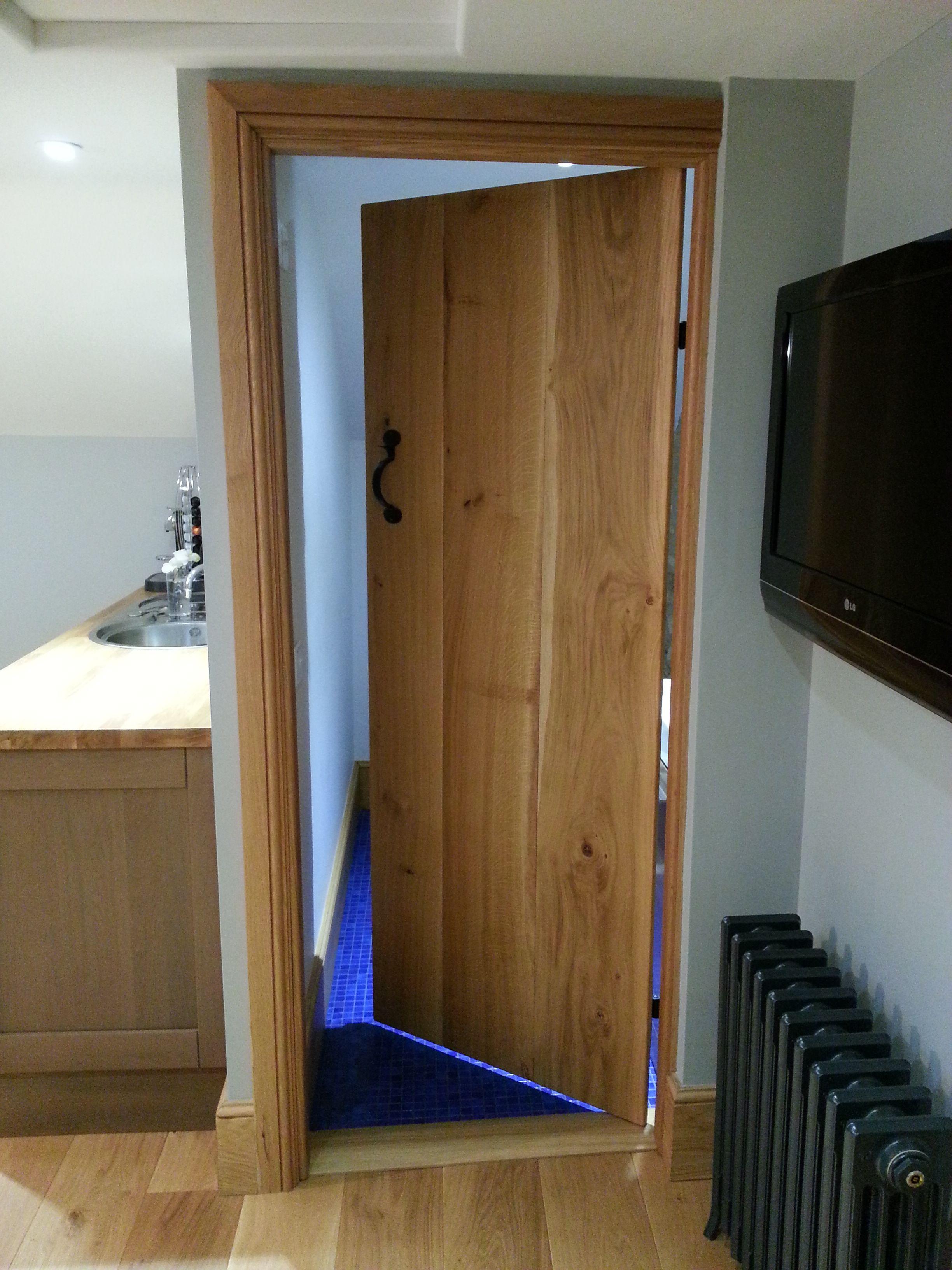Antique oak reprodcution Door. Solid Oak Rustic Door. Ledged cottage door period features. & Antique oak reprodcution Door. Solid Oak Rustic Door. Ledged ...
