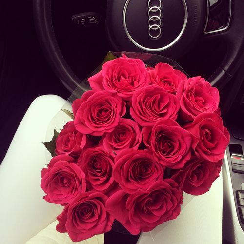 audi love red roses rose gift beautiful bouquet car flowers girl luxury in love. Black Bedroom Furniture Sets. Home Design Ideas