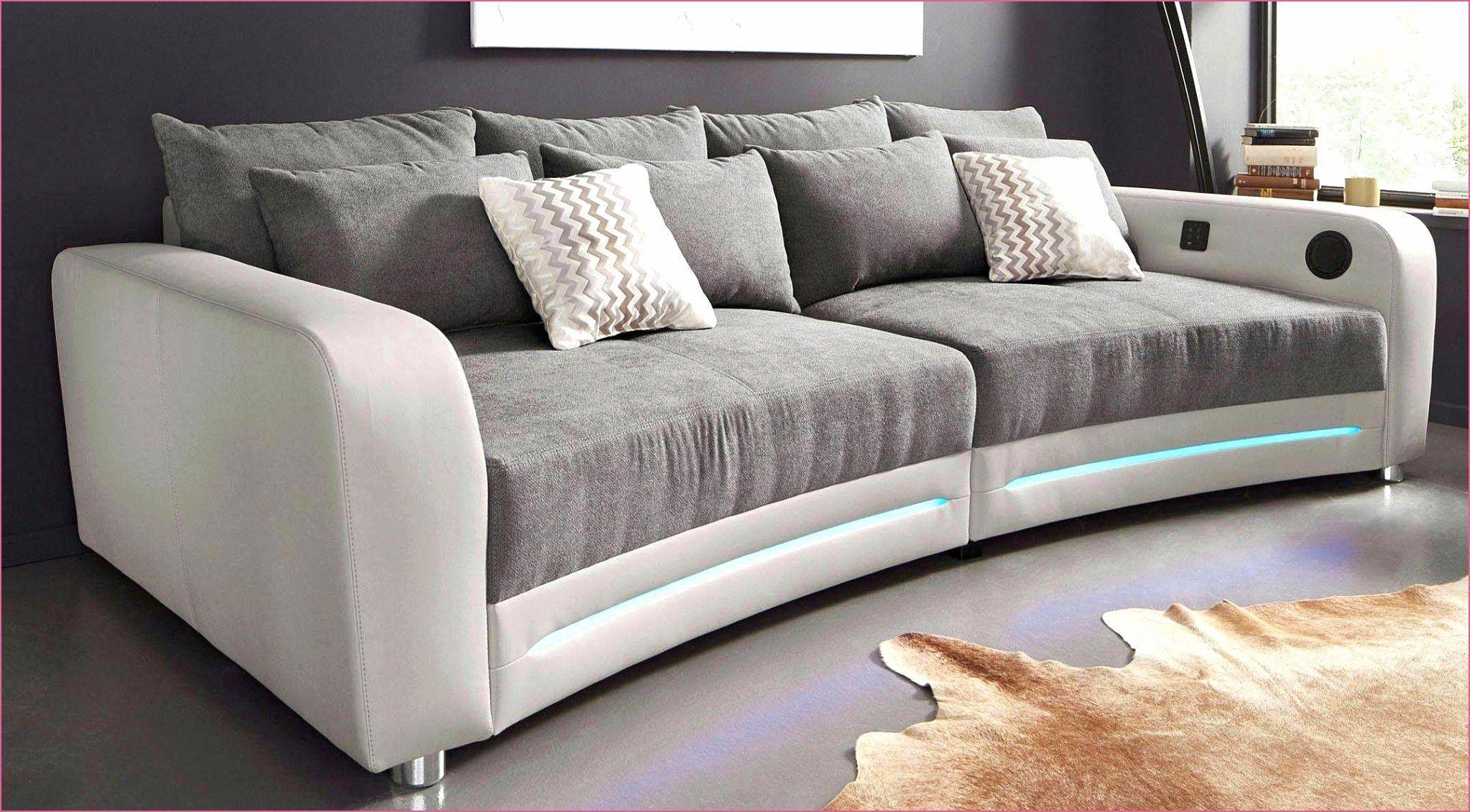 Genial Graue Wandfarbe Wohnzimmer Graue Wandfarbe Wohnzimmer Graue Wandfarbe Wo Genial Graue Wandfarbe Wohnzimmer Graue Wandfa In 2020 Furniture Eldred Sofa