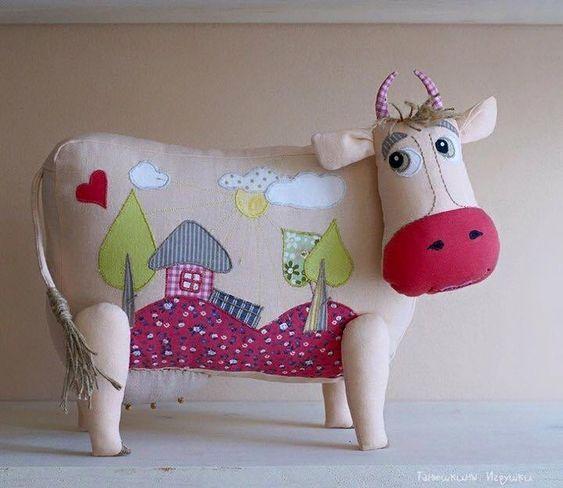Patrón de Cojín de vaca - Patrones gratis #animauxentissu