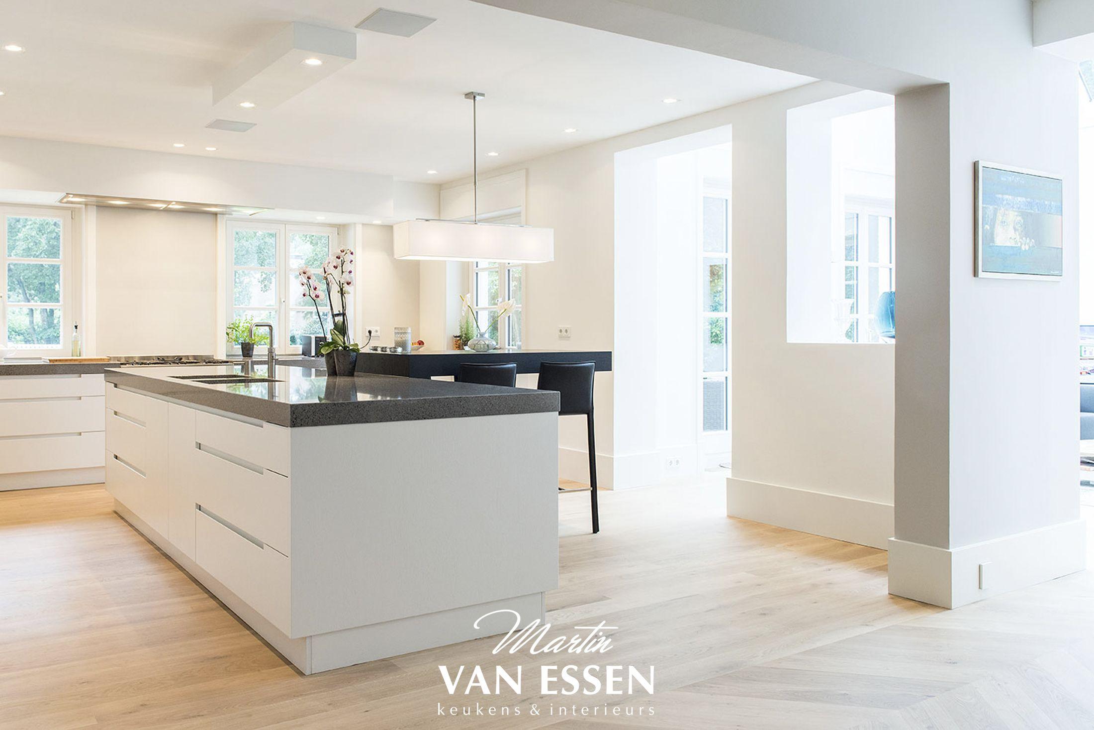 Moderne Keuken Donker : Donkere vloer witte keuken thomas gaspersz