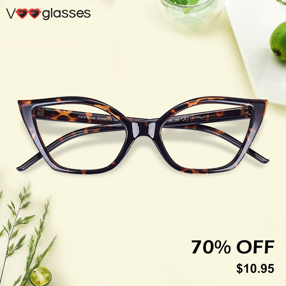 The classic cat eye frame is both light and strong.