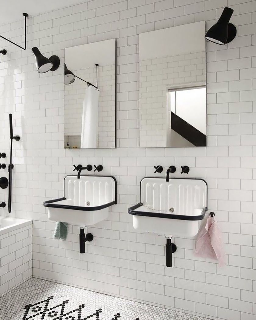 Utiliser Le Carrelage Metro Dans La Salle De Bain In 2020 Bathroom Trends Tiny House Bathroom Bathroom Shower Design