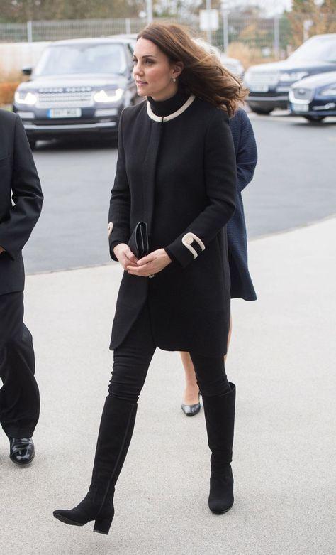 659559fbc70 42 Best Kate Middleton Pregnant Style Looks - Princess Kate Maternity  Fashion