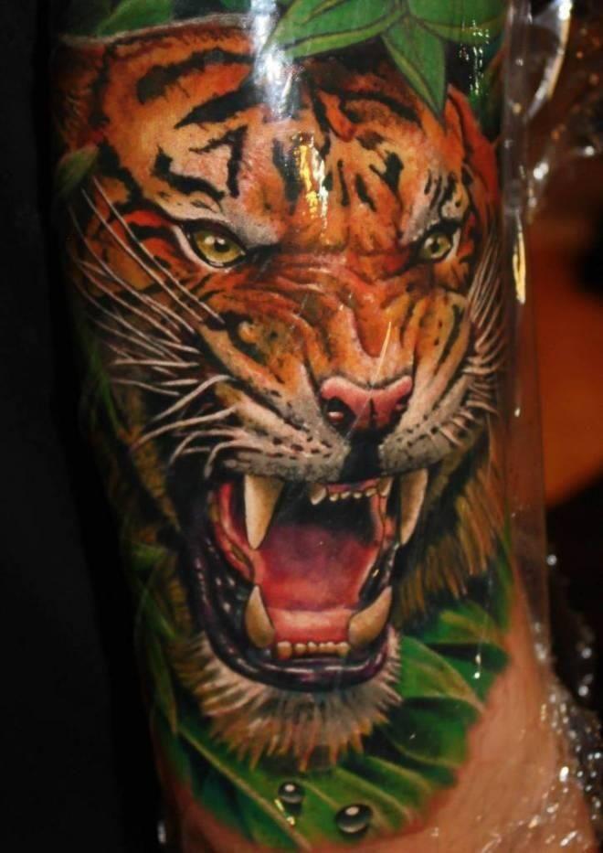5f9514957 Julian Siebert #tiger #realistic #tattoo | Tiger tattoos | Tatuaje ...