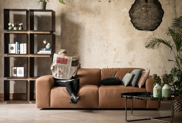 Exklusives Sofa aus weichem, gefärbtem Rindleder mit aufwendiger Polsterung   Sofa sessel ...