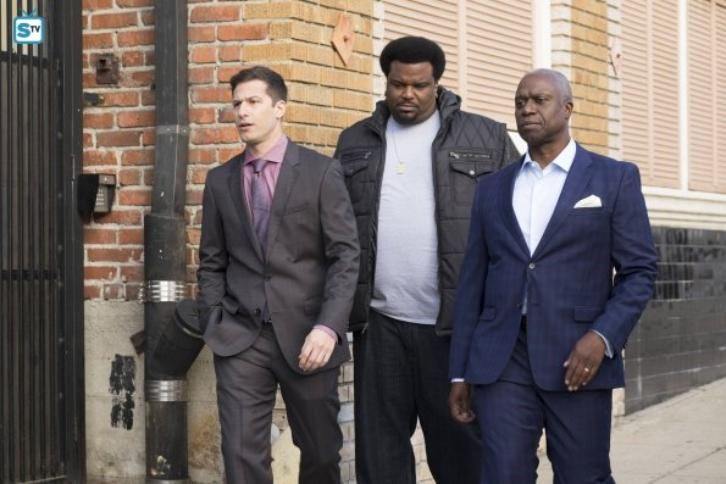 Brooklyn Nine-Nine - The Fugitive (Winter Finale) - Review +