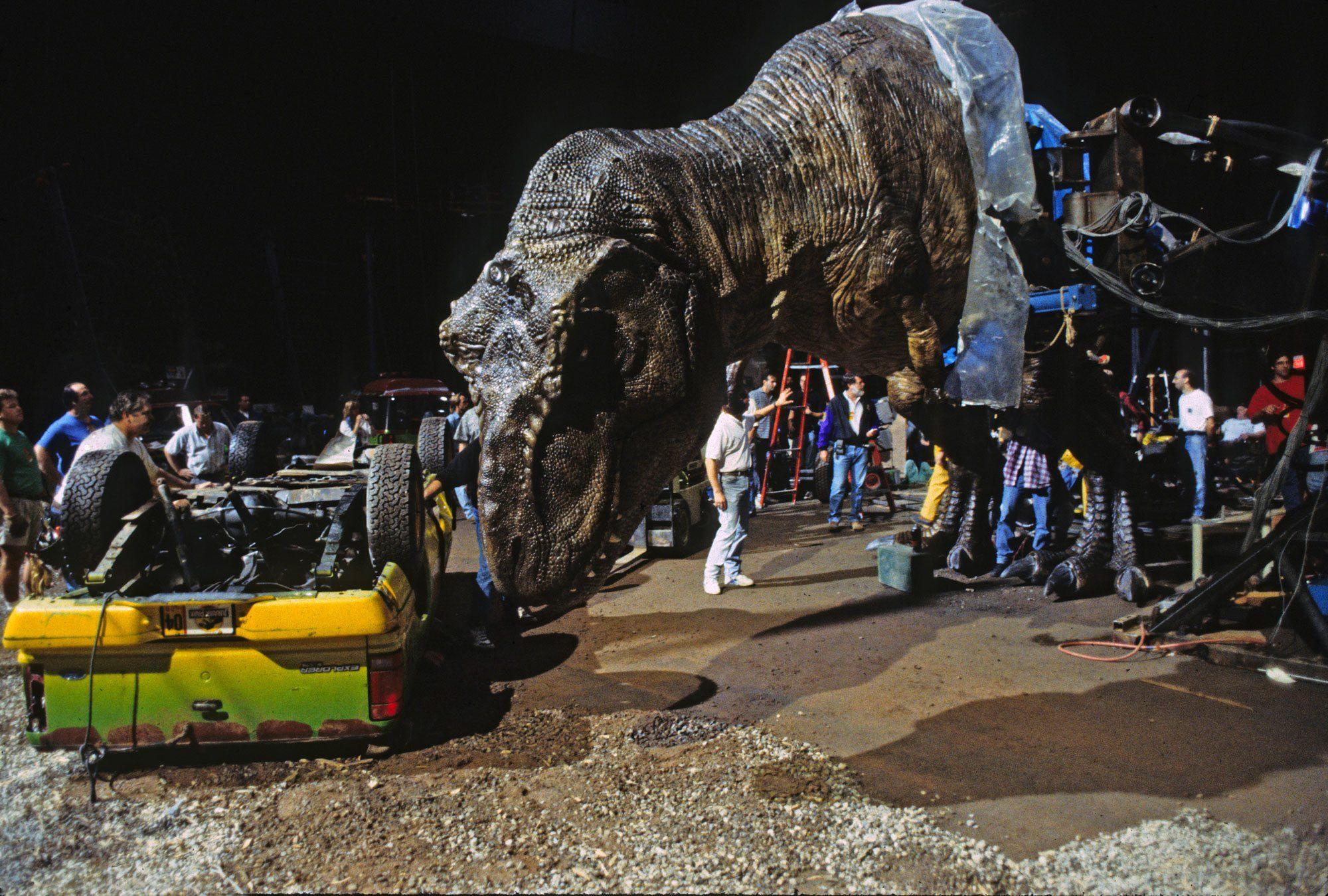 t-rex animatronic
