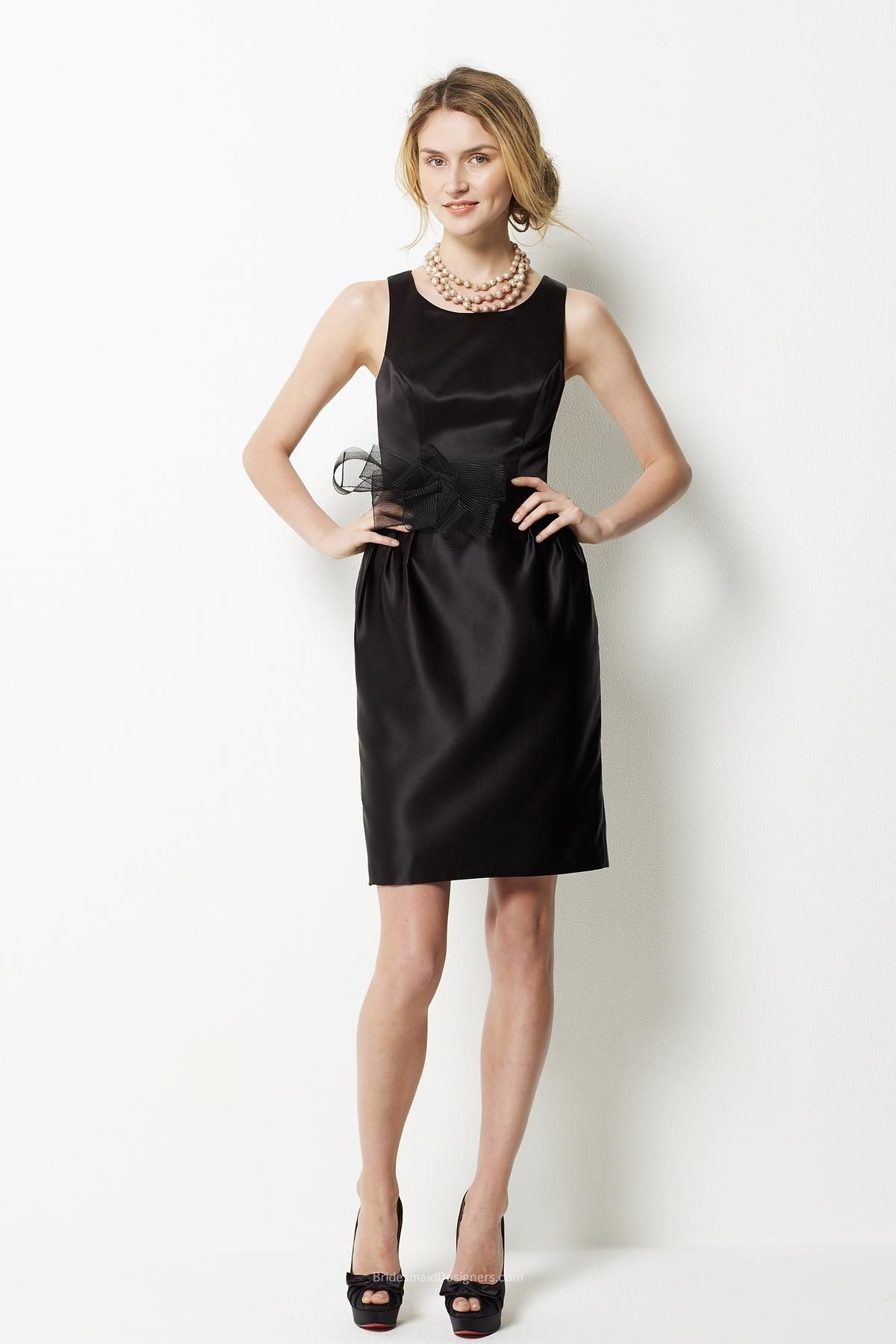 Sleeveless black satin sheath short bridesmaid dress with tulle bow