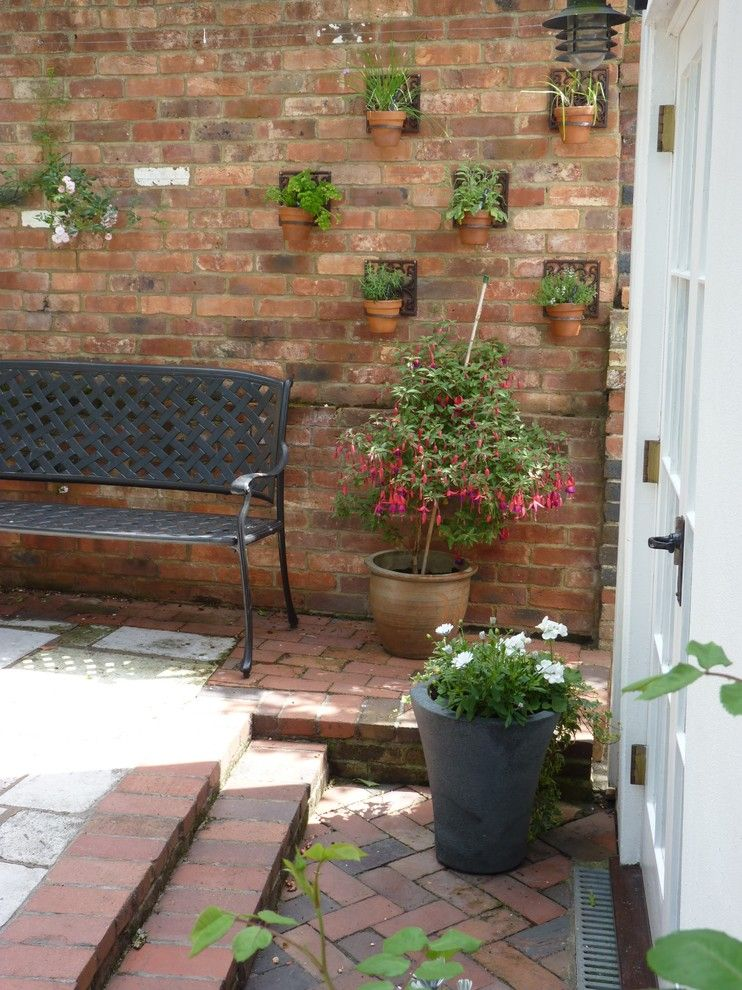 Elegant Plant Pots convention South East Traditional Patio