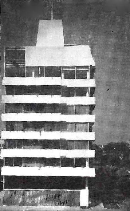 Vista lateral del edificio de departamentos, Ibarbourou 402 esq. Lope de Vega, Polanco, Miguel Hidalgo, México DF 1963  Arq.  Agustín Hernández -  Side view of an apartment building, Polanco, Mexico City 1963
