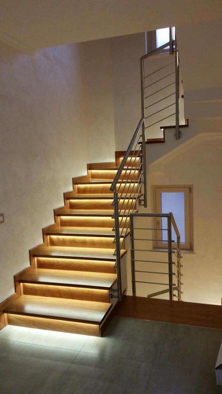 Ringhiera scala interna acciaio inox e legno luci www for Scale interne legno
