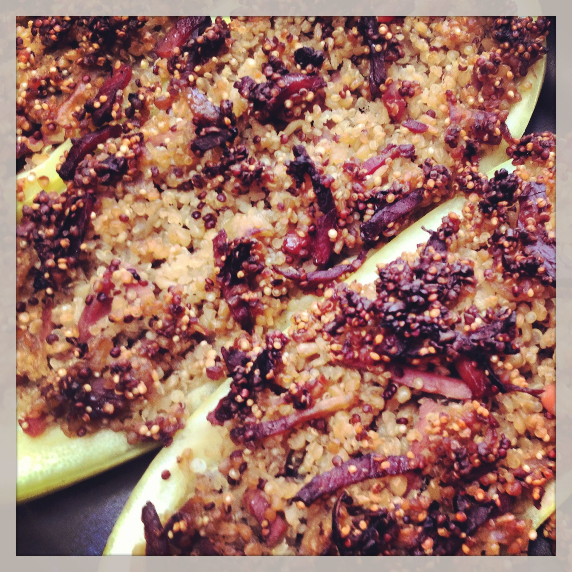 Courgettes farcies au quinoa #cuisine #plat #platprincipal #salé #courgette #quinoa #légume  #français