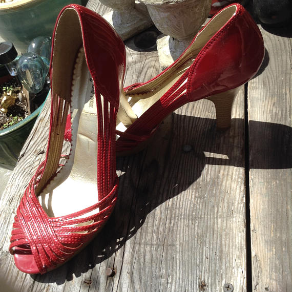 099cb04d9e428 Vintage hipster 80s red patent leather heels size 8 free domestic shipping