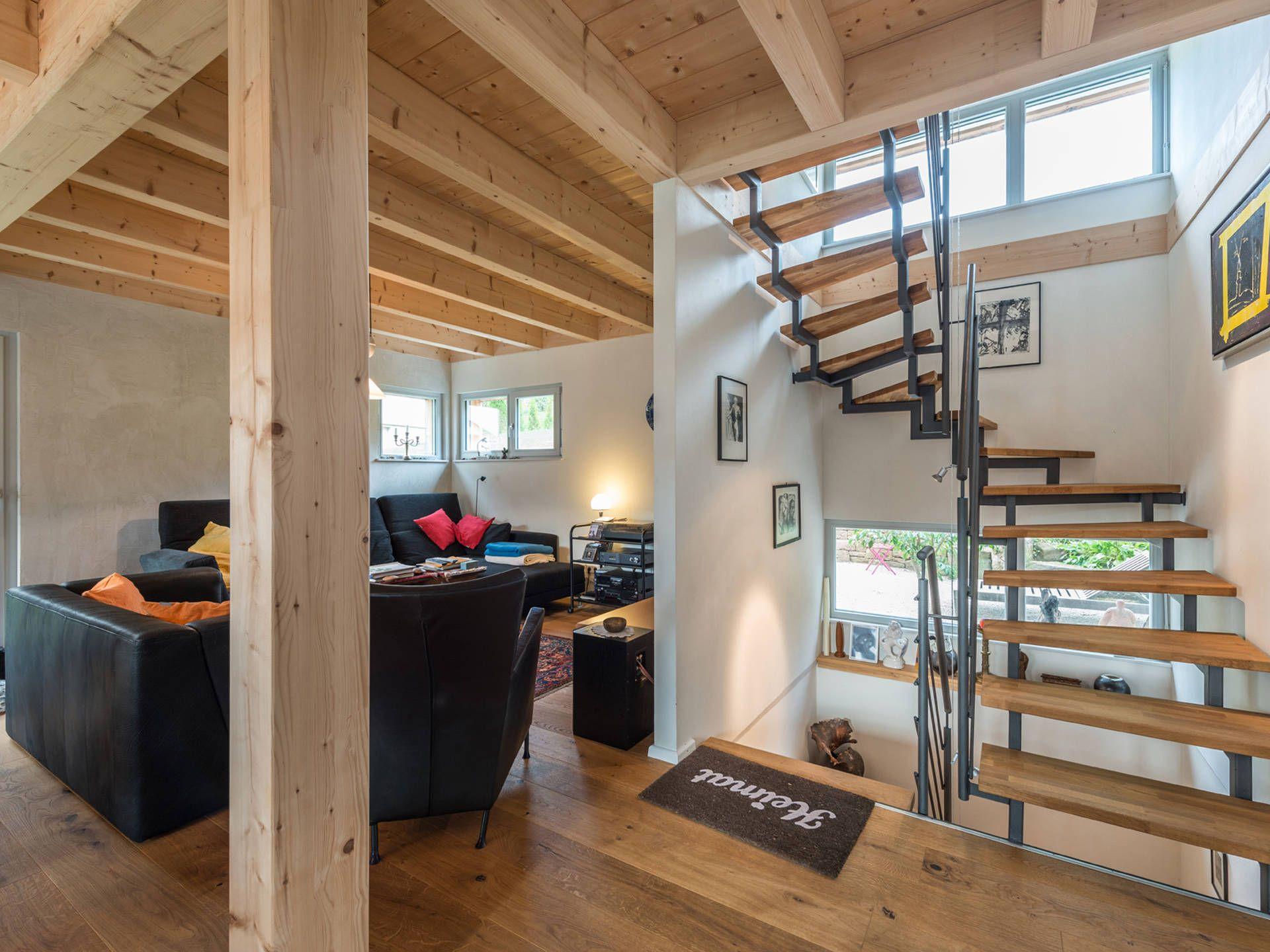 Treppe im Haus Design 120 von Frammelsberger Holzhaus • Mit ...